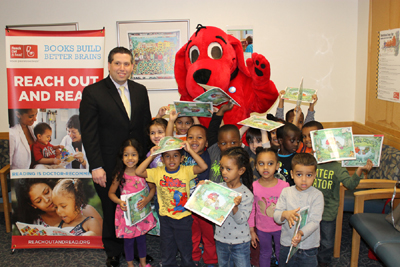 State Sen. Sal DiDomenico Visits CHA to Promote Childhood Literacy